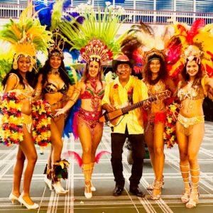 Braziliaanse danseressen tropische muziek los del sol (2)