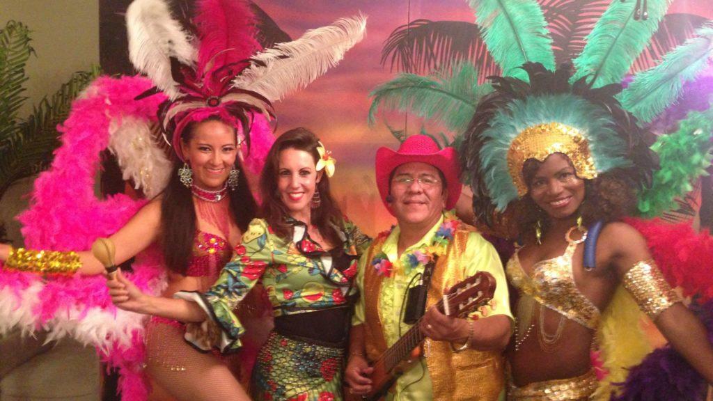 Los del Sol caribische muziek met danseressen