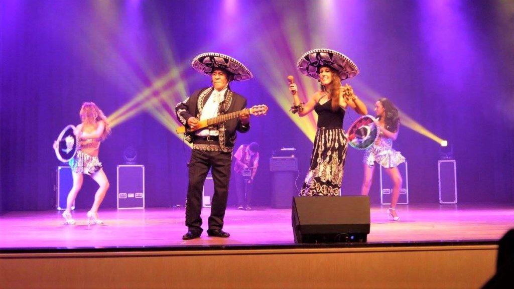 Mexicaanse show Los del Sol livemuziek