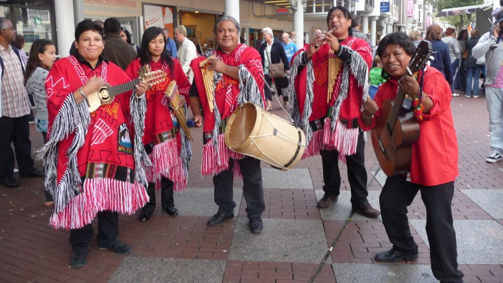 muziekgroep peru bolivia chili, panfluitmuziek, andes muziek