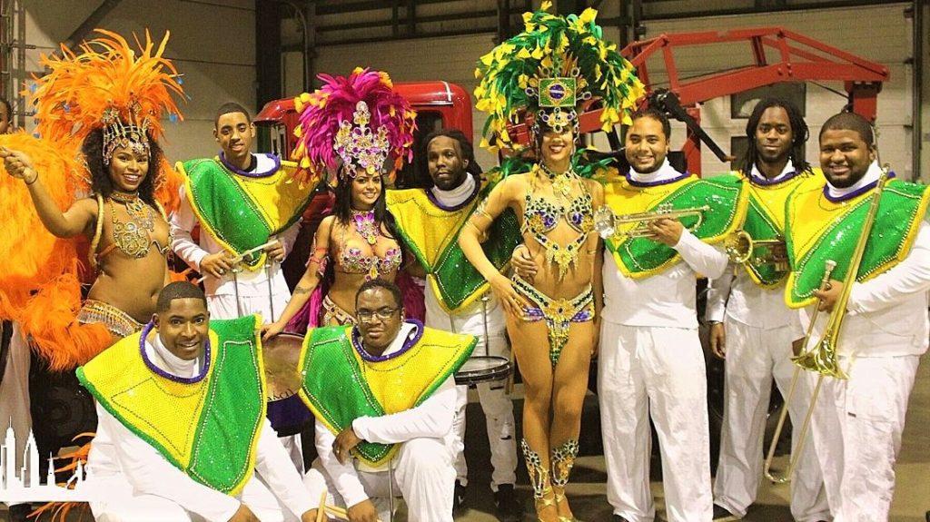 brassband braziliaanse danseressen