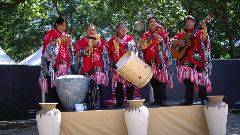 indianen muziekgroep, panfluit muziek, peruaanse muziekgroep
