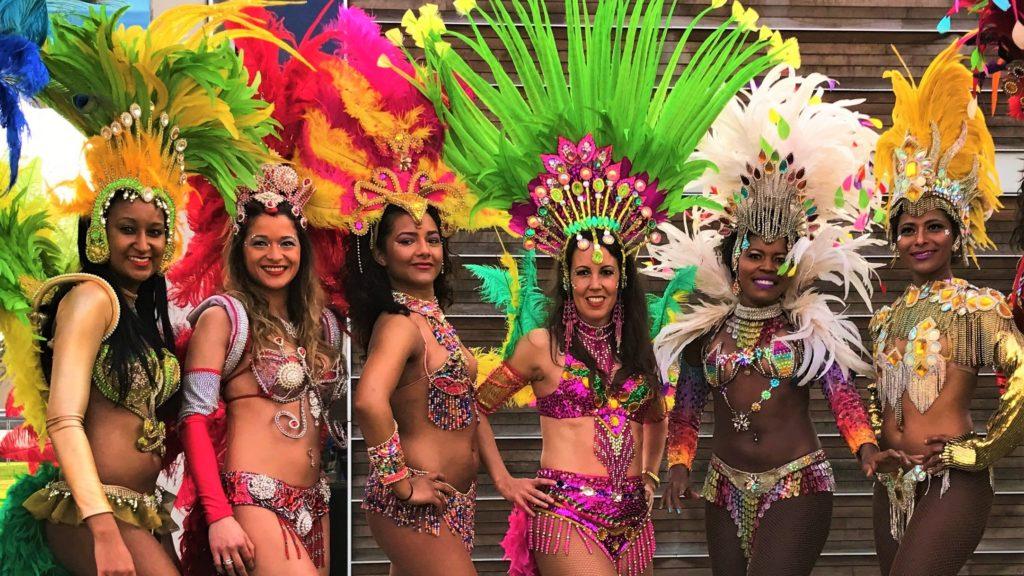 Braziliaanse danseressen los del sol samba
