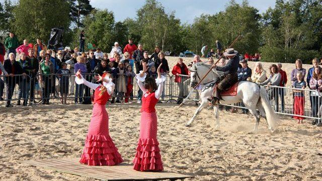 flamenco paardenshow, flamencoshow, Spaanse danseressen, flamenco danseressen, flamingo